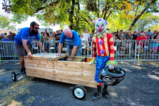 Denton DoDead Coffin race entrant1
